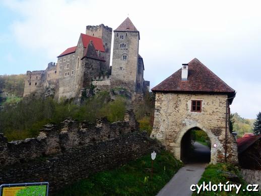 91b9b7357 Vstup do areálu hradu